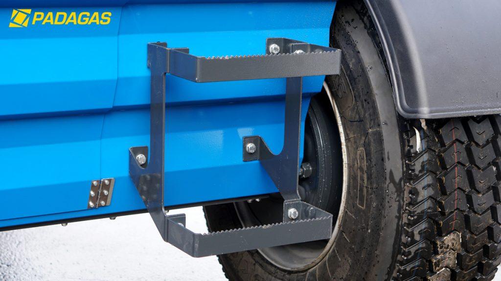 Smėlio barstyklė prie traktoriaus – išmaniausia mašinas asortimente!
